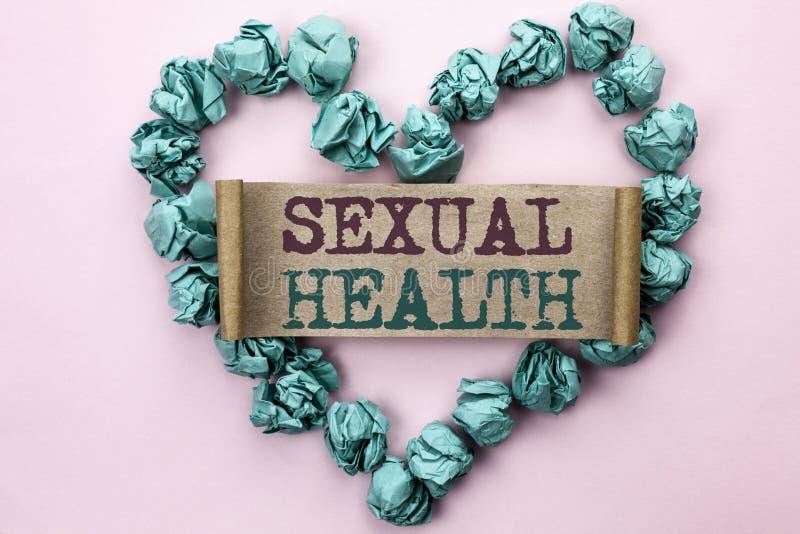 Σημείωση γραψίματος που παρουσιάζει σεξουαλική υγεία Επιχειρησιακή φωτογραφία την υγιή προσοχή φύλων συνηθειών προστασίας χρήσης  στοκ εικόνες