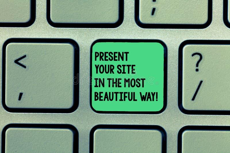 Σημείωση γραψίματος που παρουσιάζει στο παρόν περιοχή σας με τον ομορφότερο τρόπο Η επίδειξη επιχειρησιακών φωτογραφιών δημιουργε στοκ εικόνες με δικαίωμα ελεύθερης χρήσης