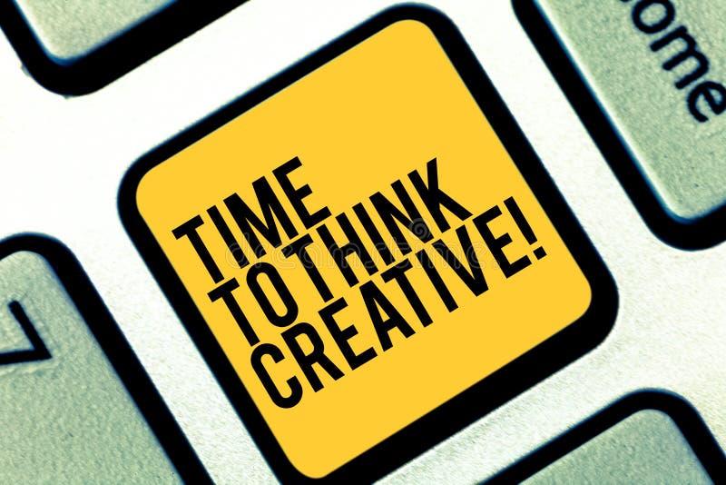 Σημείωση γραψίματος που παρουσιάζει χρόνο να σκεφτεί δημιουργικός Αρχικές ιδέες δημιουργικότητας επίδειξης επιχειρησιακών φωτογρα στοκ εικόνα με δικαίωμα ελεύθερης χρήσης