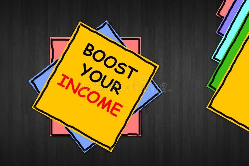 """Σημείωση γραψίματος που παρουσιάζει """"στην ώθηση εισόδημά σας """" Η επίδειξη επιχειρησιακών φωτογραφιών βελτιώνει την πληρωμή σας πο στοκ εικόνα με δικαίωμα ελεύθερης χρήσης"""