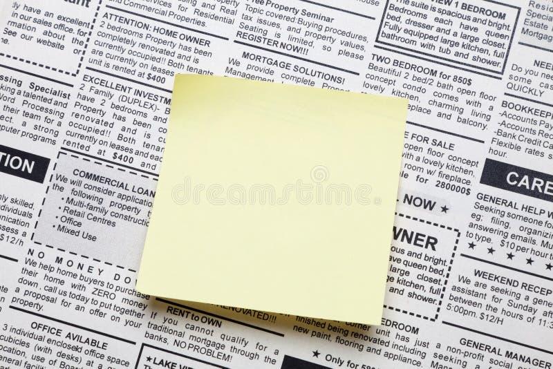 σημείωση εφημερίδων κολλώδης στοκ φωτογραφία με δικαίωμα ελεύθερης χρήσης