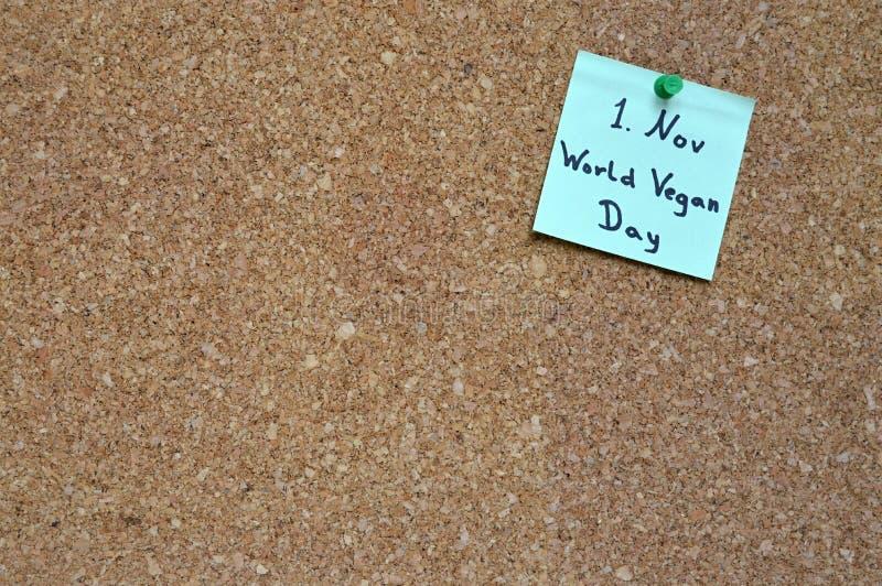Σημείωση «ημέρα παγκόσμιου Vegan» στοκ εικόνα