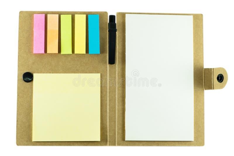 Σημειωματάριο με τη μάνδρα στο άσπρο υπόβαθρο στοκ εικόνα