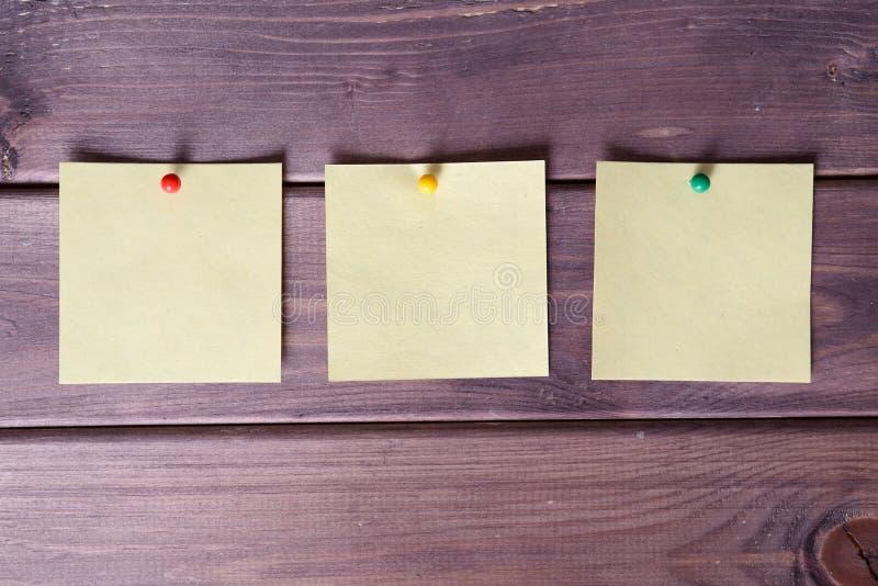 Σημειώσεις, αυτοκόλλητες ετικέττες στοκ εικόνα με δικαίωμα ελεύθερης χρήσης