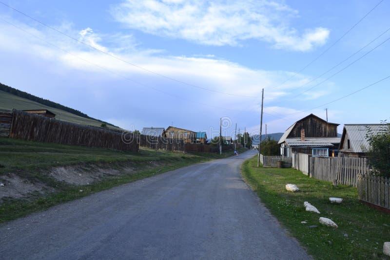 Σιβηρικό χωριό κοντά στο Ιρκούτσκ στο καλοκαίρι στοκ φωτογραφία
