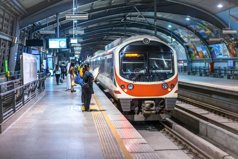 Σιδηροδρομική σύνδεση αερολιμένων της Ταϊλάνδης στοκ φωτογραφία με δικαίωμα ελεύθερης χρήσης