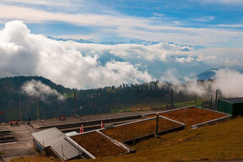Σιδηροδρομικός σταθμός Kulm Rigi στο βουνό Rigi, ελβετικές Άλπεις στοκ φωτογραφία