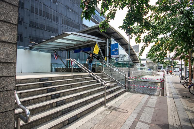 Σιδηροδρομικός σταθμός MRT στην περιοχή Lat Pharo στοκ εικόνα