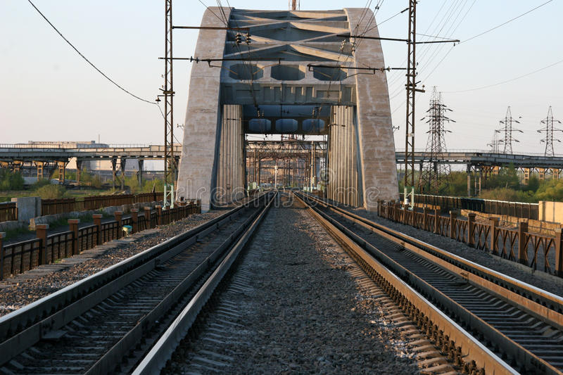 Download σιδηρόδρομος γεφυρών στοκ εικόνα. εικόνα από ταξίδι, τοπίο - 13176501