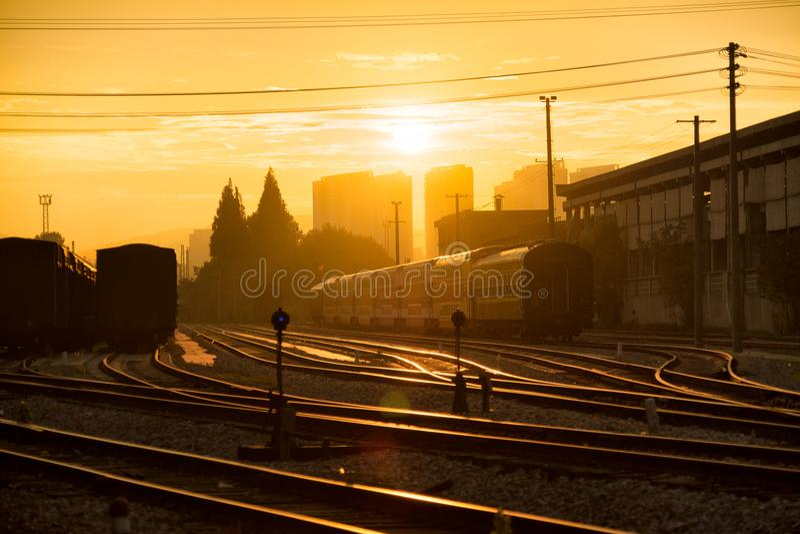 Σιδηρόδρομος εκτός από το σιδηροδρομικό σταθμό του Ναντζίνγκ Pukou στοκ εικόνα με δικαίωμα ελεύθερης χρήσης