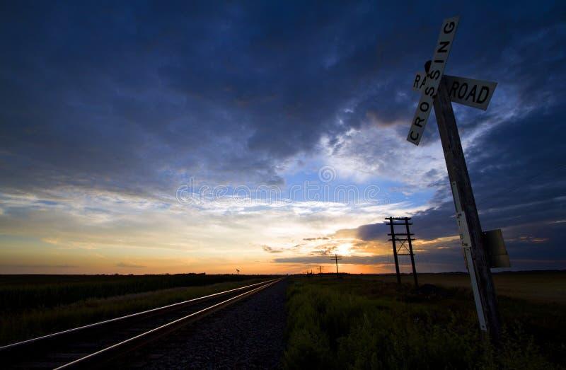 Σιδηρόδρομος που διασχίζει στη βόρεια Ντακότα στοκ εικόνες