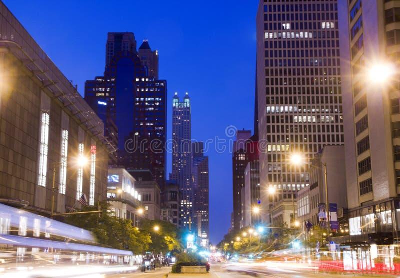 Σικάγο τη νύχτα στοκ εικόνες με δικαίωμα ελεύθερης χρήσης