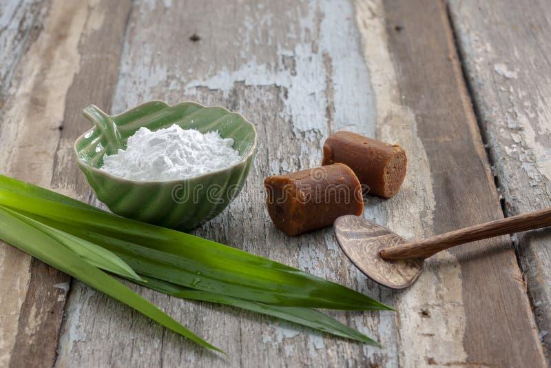 Σιτάλευρο με παραδοσιακή καφέ ζάχαρη στοκ εικόνα