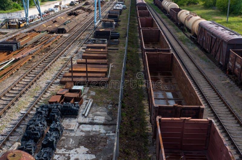 Σιδηρόδρομος, βαγόνι εμπορευμάτων, ράγα, τραίνα στοκ εικόνα