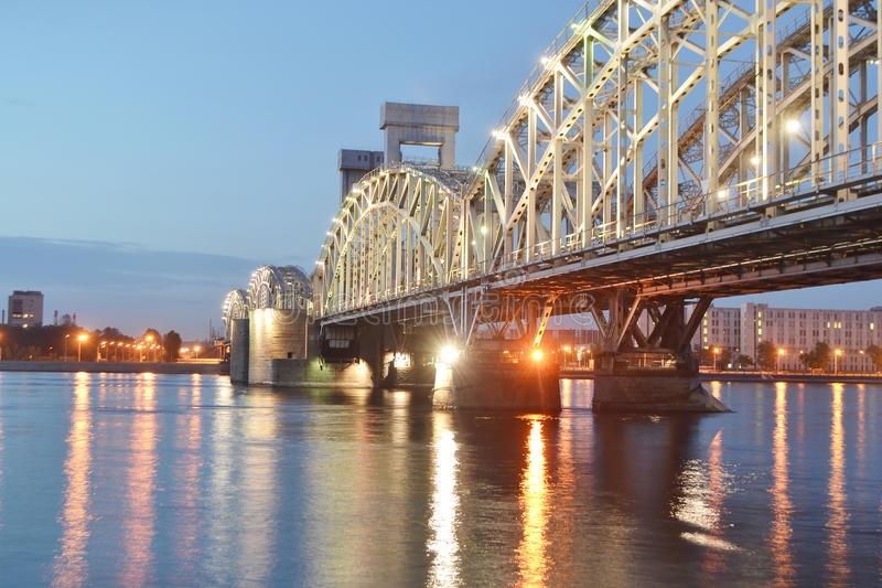 σιδηρόδρομος νύχτας της Φ& στοκ εικόνα με δικαίωμα ελεύθερης χρήσης