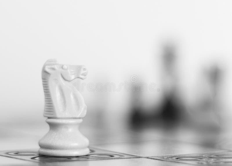 Σκάκι που φωτογραφίζεται σε μια σκακιέρα στοκ εικόνες με δικαίωμα ελεύθερης χρήσης