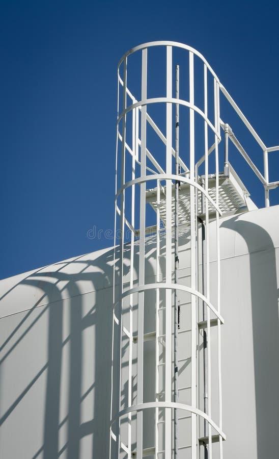 Σκάλα δεξαμενών αποθήκευσης ύδατος στοκ φωτογραφίες