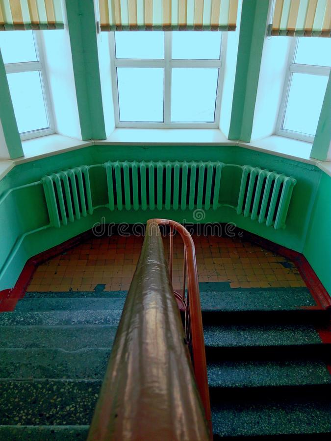 Σκάλα ενός παλαιού ορφανοτροφείου στοκ εικόνα με δικαίωμα ελεύθερης χρήσης