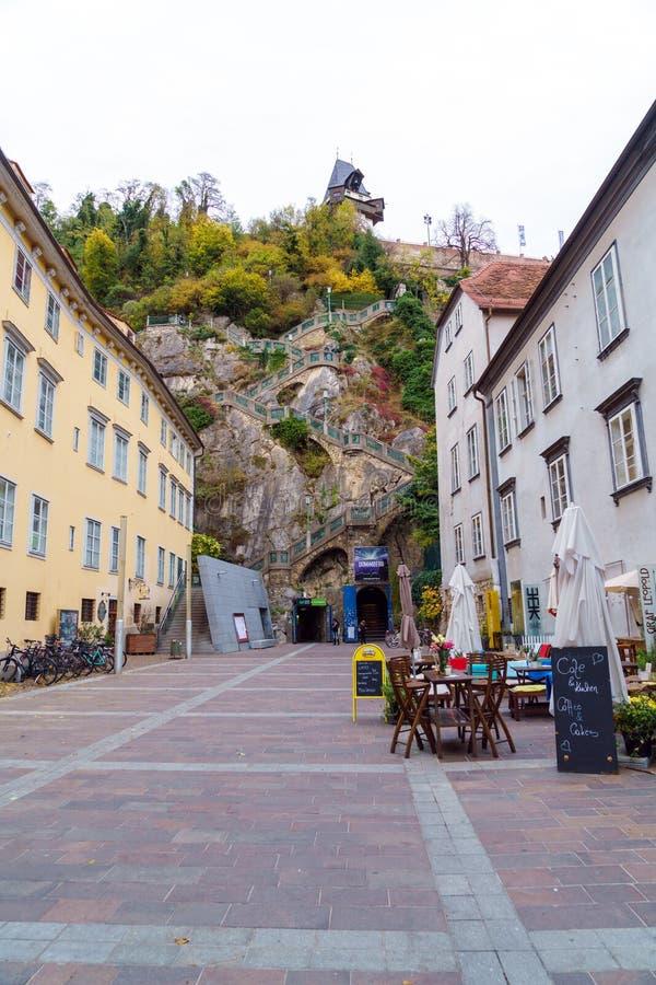 Σκάλα στο Hill Schlossberg ή του Castle, Γκραζ, Αυστρία στοκ εικόνες