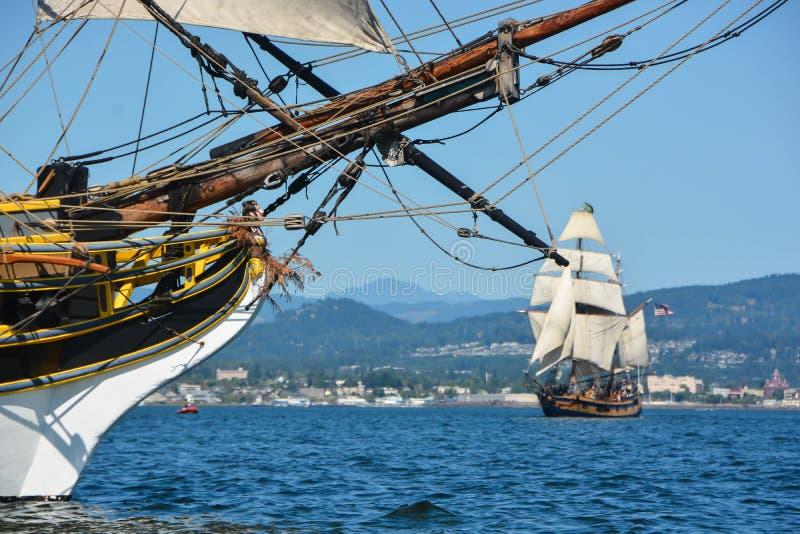 Σκάφη πειρατών που κάνουν τη μάχη στοκ εικόνες