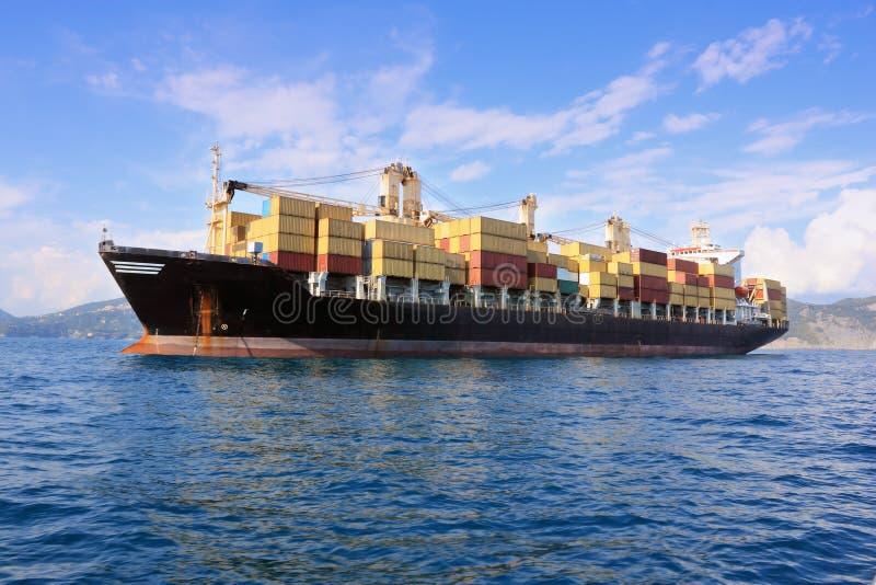 σκάφος θάλασσας εμπορ&epsilon στοκ φωτογραφία με δικαίωμα ελεύθερης χρήσης
