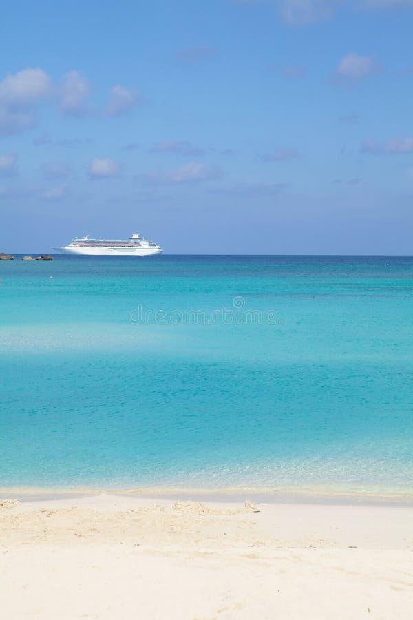 σκάφος θάλασσας κρουα&z στοκ εικόνες με δικαίωμα ελεύθερης χρήσης