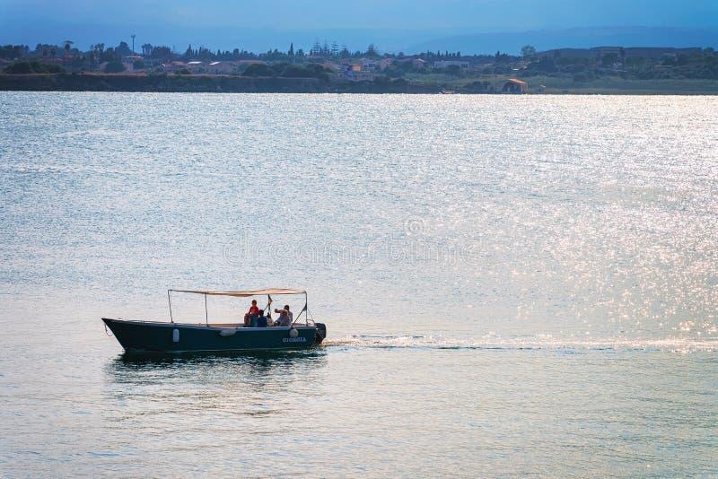Σκάφος στη Μεσόγειο Siracusa Σικελία στοκ εικόνες με δικαίωμα ελεύθερης χρήσης