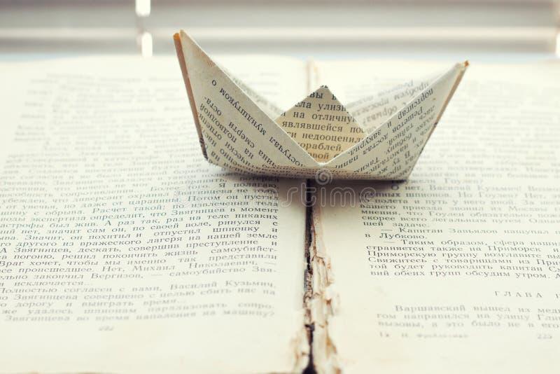Σκάφος των λέξεων στο βιβλίο στοκ εικόνα με δικαίωμα ελεύθερης χρήσης