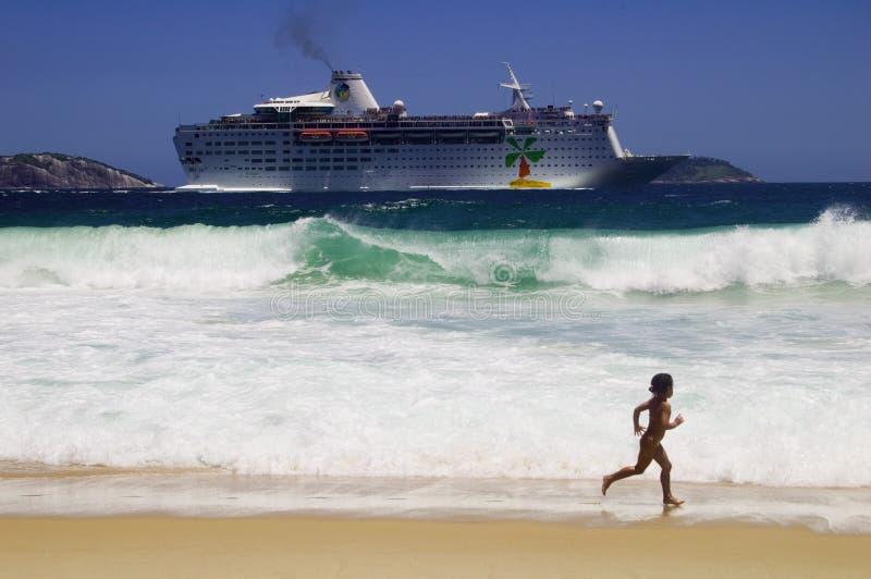 Download σκάφος εκδοτική στοκ εικόνες. εικόνα από janeiro, θάλασσα - 378003