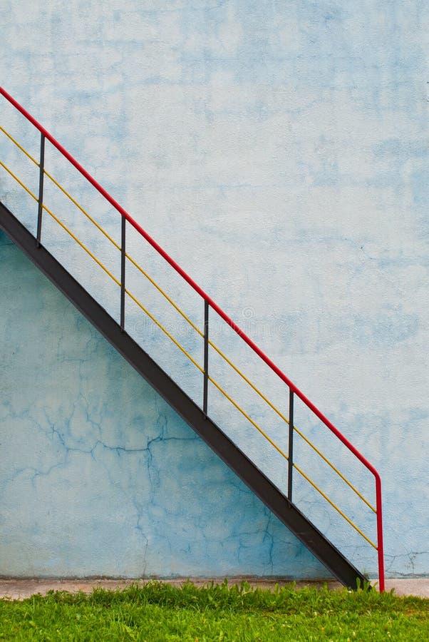 Σκάλα με τα κιγκλιδώματα στοκ φωτογραφία με δικαίωμα ελεύθερης χρήσης