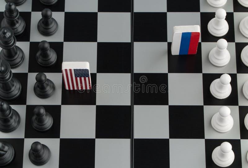 Σκακιέρα με τις σημαίες των χωρών στοκ εικόνα με δικαίωμα ελεύθερης χρήσης