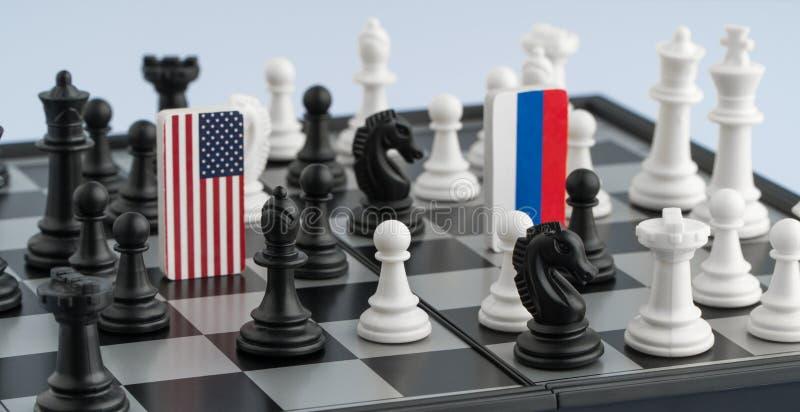 Σκακιέρα με τις σημαίες των χωρών στοκ εικόνες