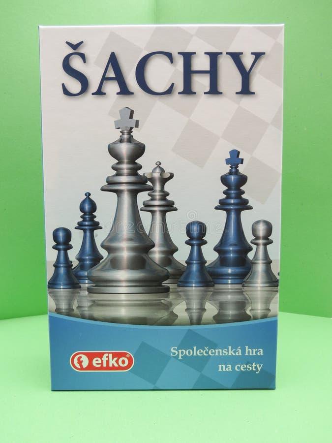 Σκακιέρα με τους πλαστικούς ελεγκτές στοκ εικόνες με δικαίωμα ελεύθερης χρήσης