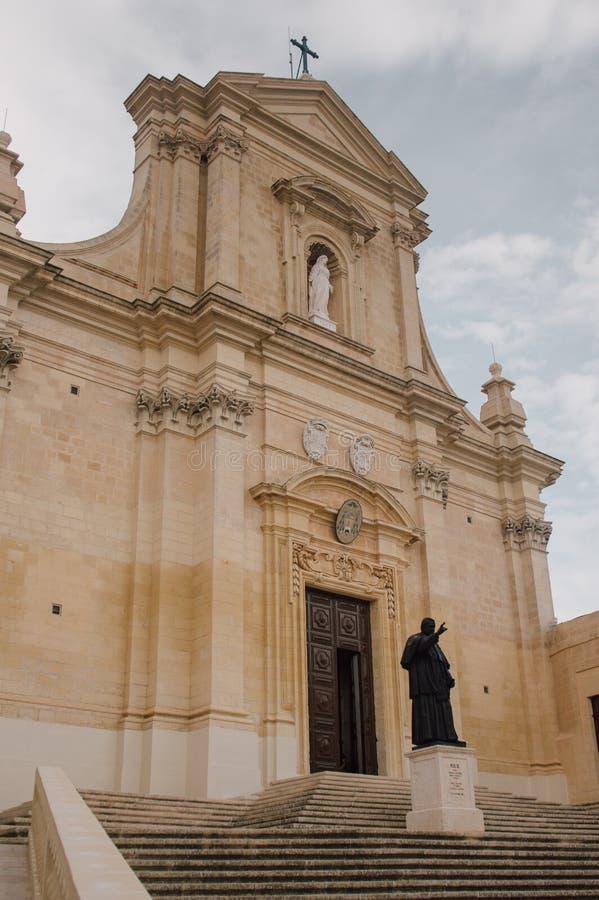Σκαλοπάτια στον καθεδρικό ναό Gozo σε Βικτώρια στοκ φωτογραφία με δικαίωμα ελεύθερης χρήσης