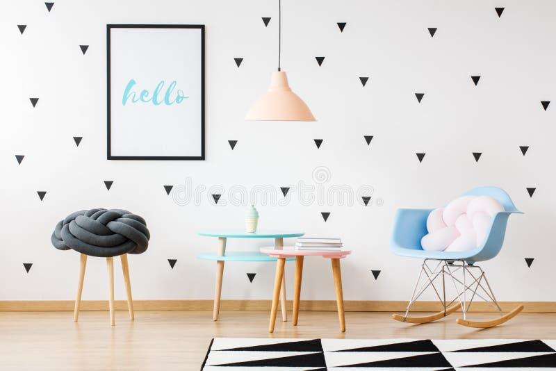 Σκανδιναβικό δωμάτιο παιδιών ` s ύφους στοκ φωτογραφία