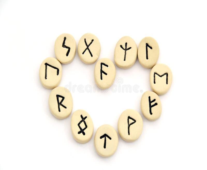 Σκανδιναβικοί ρούνοι - μορφή καρδιών στοκ φωτογραφία με δικαίωμα ελεύθερης χρήσης