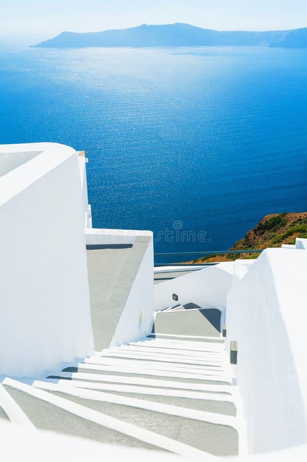 σκαλοπάτια θάλασσας santorini νησιών λόφων της Ελλάδας κτηρίων στοκ εικόνες με δικαίωμα ελεύθερης χρήσης