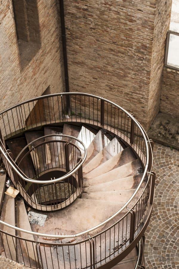 σκαλοπάτια που στρίβονται στοκ εικόνες