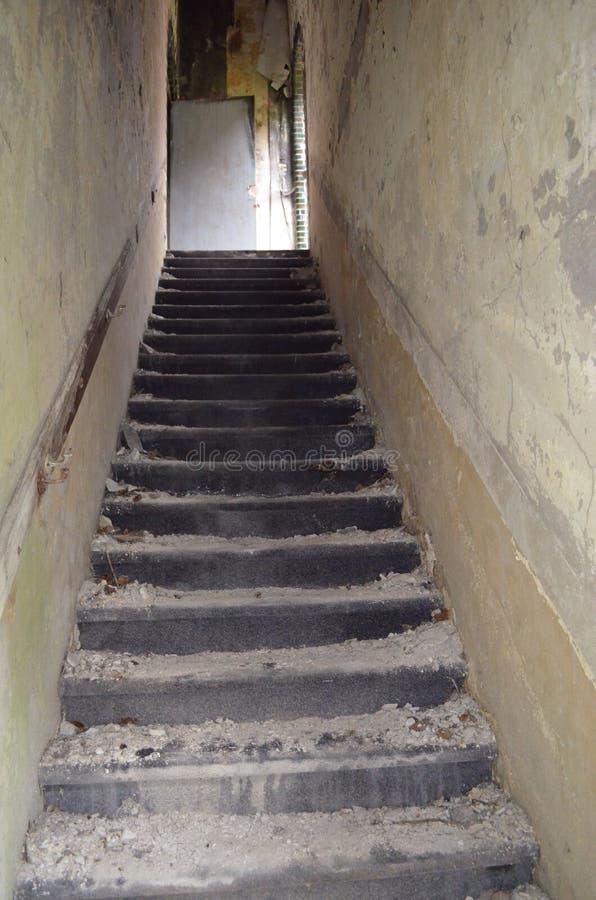 Σκαλοπάτια Abonded στοκ εικόνα με δικαίωμα ελεύθερης χρήσης