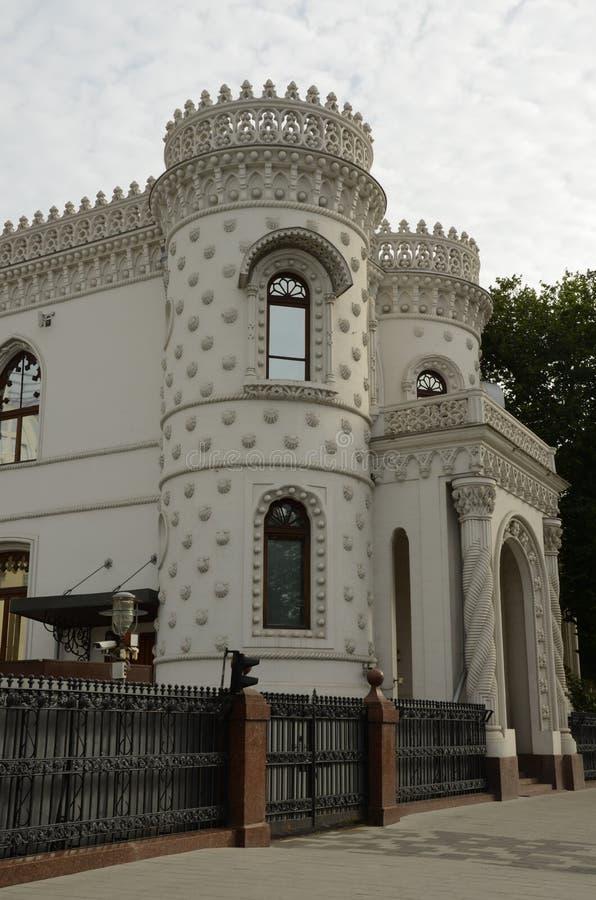 Σκεπαστή είσοδος πρόσοψης μεγάρων - εξωτερική άποψη του προηγούμενου σπιτιού εμπόρων στοκ φωτογραφία με δικαίωμα ελεύθερης χρήσης