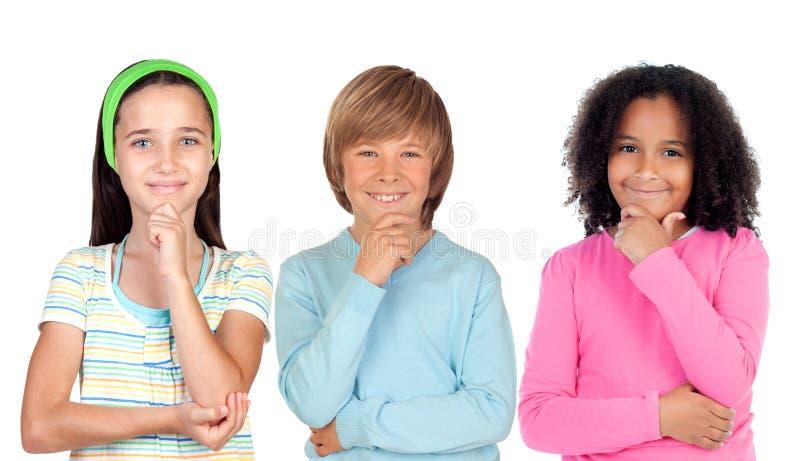 Σκεπτικά παιδιά στοκ εικόνα με δικαίωμα ελεύθερης χρήσης