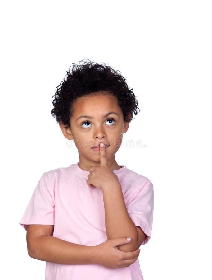Σκεπτικό λατινικό παιδί στοκ εικόνα με δικαίωμα ελεύθερης χρήσης