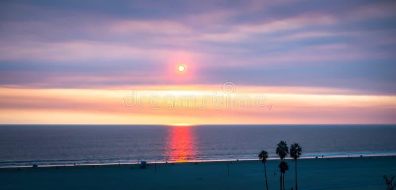 Σκηνές γύρω από το santa Μόνικα Καλιφόρνια στο ηλιοβασίλεμα στο Ειρηνικό Ωκεανό στοκ εικόνες