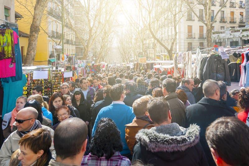 Σκηνή από παζαριών EL Rastro στη Μαδρίτη στοκ φωτογραφία