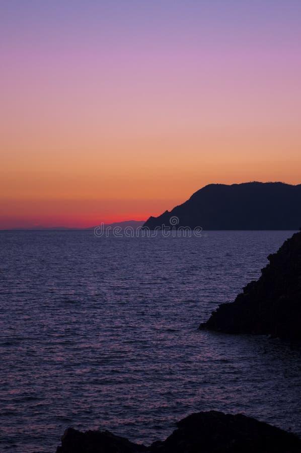 Σκηνή ηλιοβασιλέματος στο Cinque Terre στοκ φωτογραφία