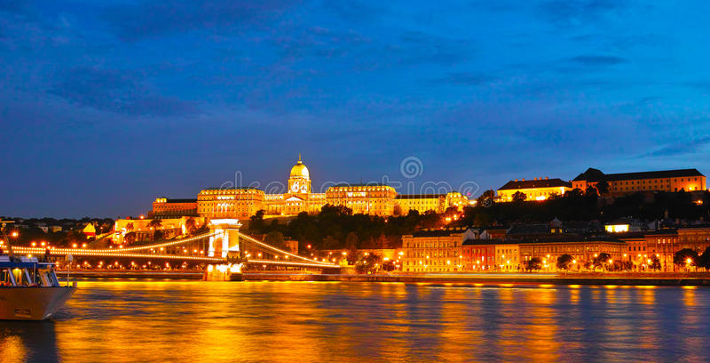 σκηνή νύχτας της Βουδαπέστ στοκ φωτογραφίες