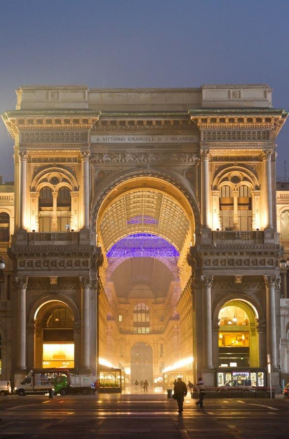 Σκηνή νύχτας Vittorio Emanuele Galleria στοκ φωτογραφία με δικαίωμα ελεύθερης χρήσης