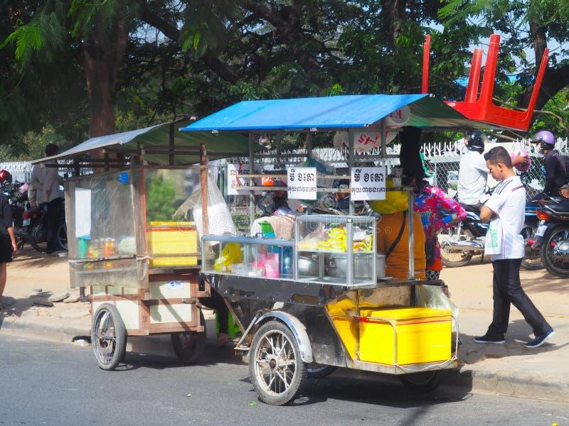 Σκηνή οδών της Καμπότζης - στάβλοι ακρών του δρόμου στοκ εικόνα