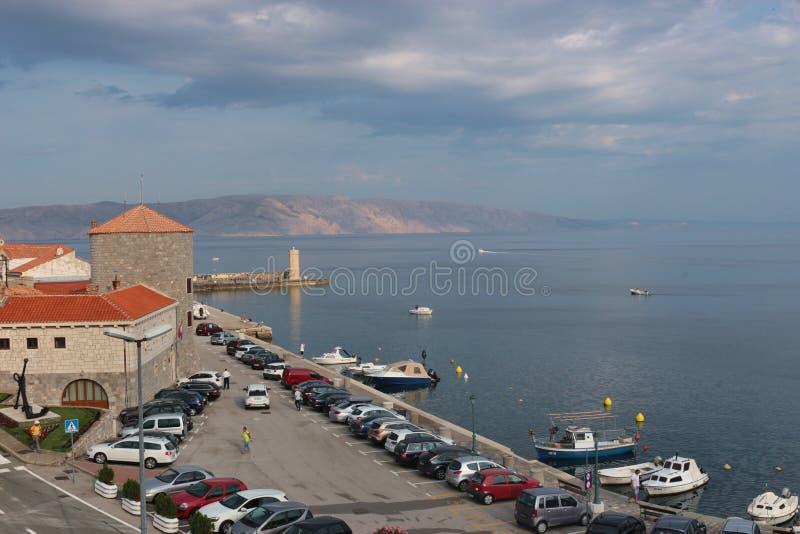 Σκηνή πρωινού στον κόλπο Senj Άποψη του νησιού Krk Κροατία στοκ εικόνα με δικαίωμα ελεύθερης χρήσης