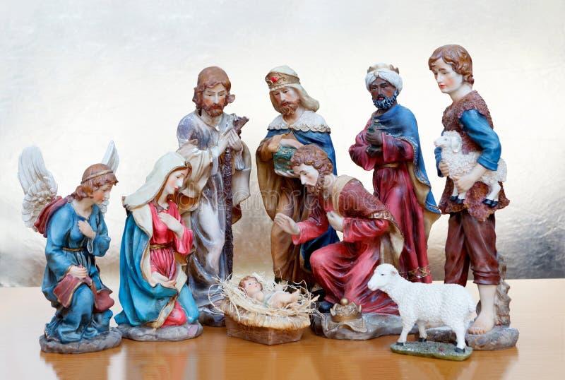 Σκηνή Nativity σε μια ξύλινη επιφάνεια στοκ εικόνες